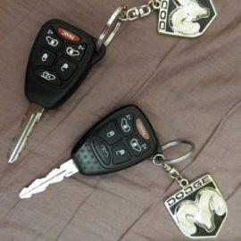 Делаем дубликаты авто ключей.